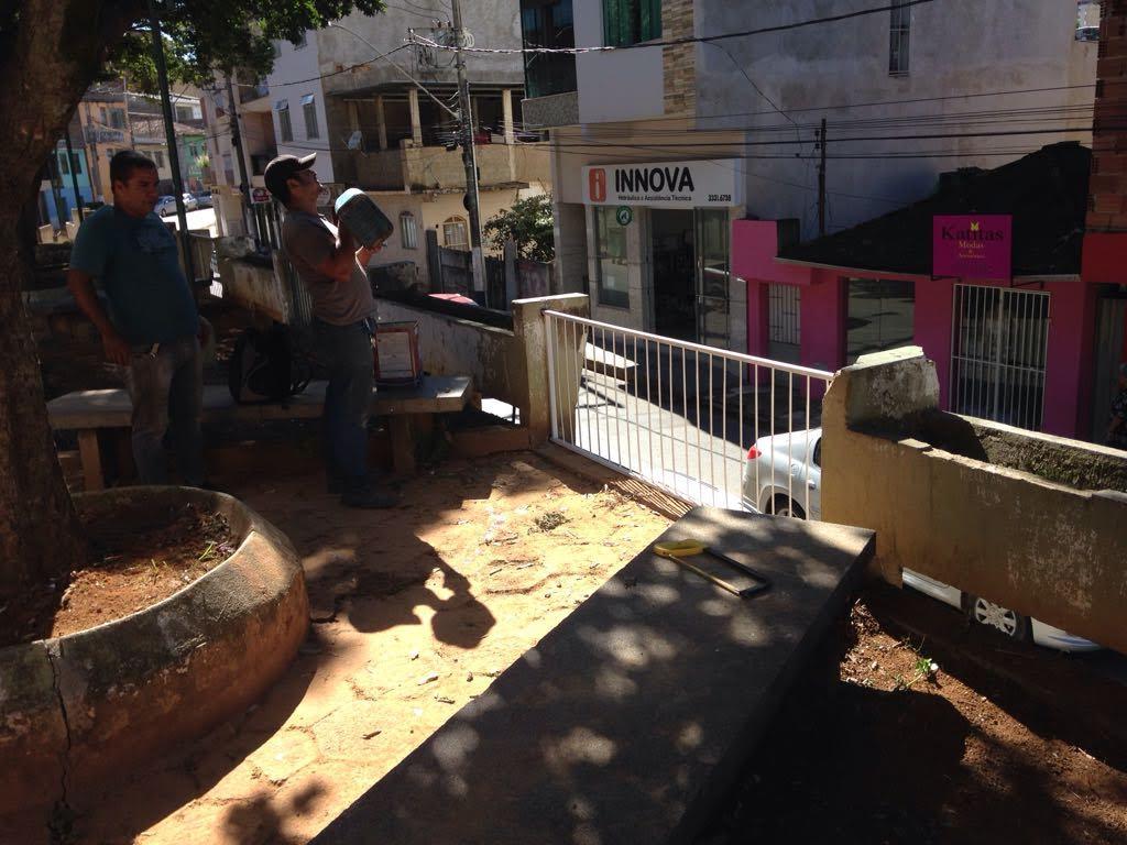 limpeza e dá outro visual para Praça Antônio Brum2